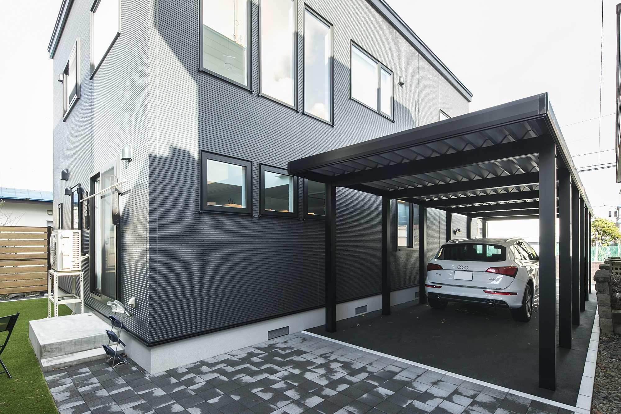 カーポートと庭 - 愛車を守るカーポートと、敷地の裏にはプライベートな庭をプラン -  -